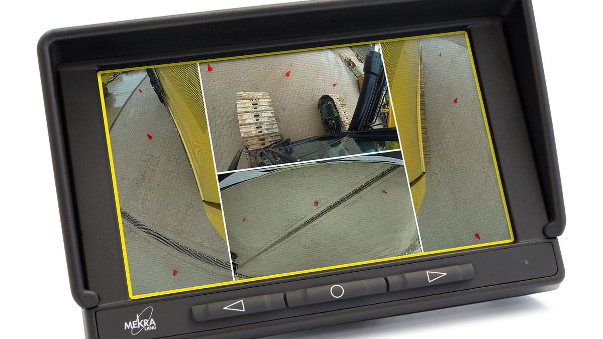 2017, Mehr Durchblick, Ein Monitor vereint vier Kamerabilder.
