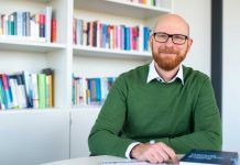 Professor Markus König