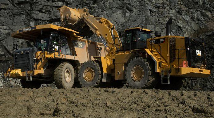2017, Baumaschinen-Klassiker neu aufgelegt, Cat 988K XE